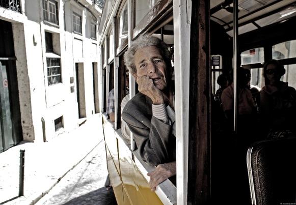 Un trajecte en transport públic ens ajuda a trobar autèntics personatges. Lisboa