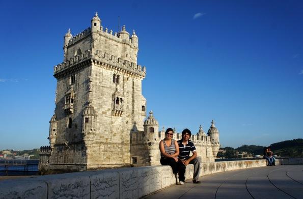 Descansant davant la Torre de Belem, Portugal
