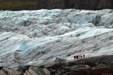 excursionistes fent un treking