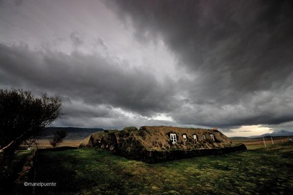 Cases típiques amb sostre d'herba de Glaumbaer