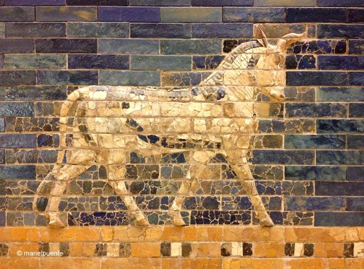 Diversos animales decoran las piedras azules de la Puerta d'Ishtar