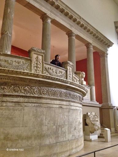 Balconada des d'on es pot observar la gran Porta de Mileto