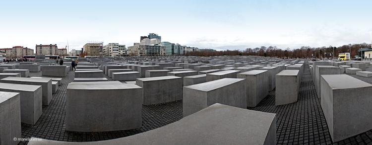 Els 2711 blocs del Monument als Jueus forma un enorme laberint