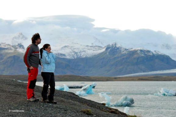 Respirant aire pur davant del Llac Jökulsárlón