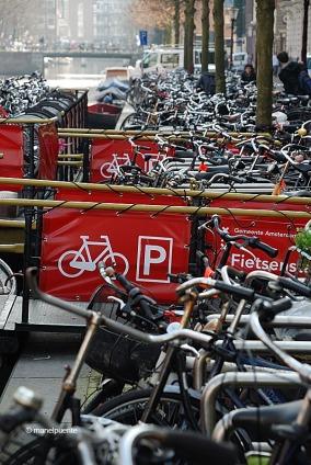 aparcament_bicis_amsterdam