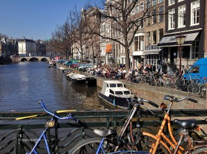 cafes_canals_amsterdam