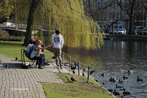 joves_alimentant_amsterdam