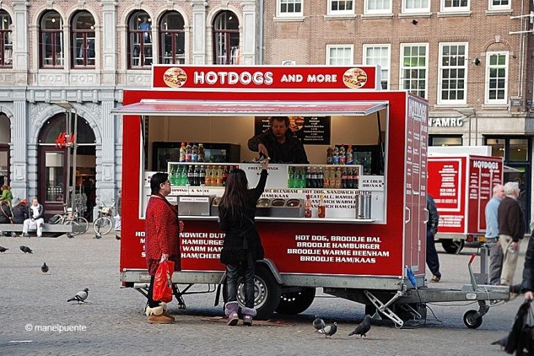 hotdogs_amsterdam.jpg