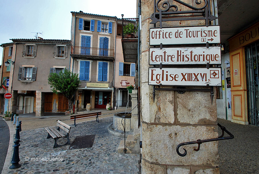 Moustiers-Sainte-Marie, Provence. França