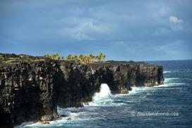 La lava solidificada arriba fins al mar