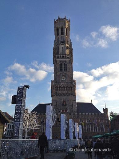 Belfort corona la Grote Markt