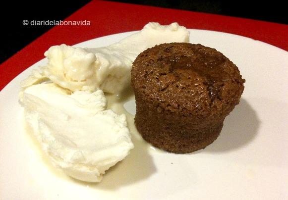 coulant de xocolata i gelat de vainilla