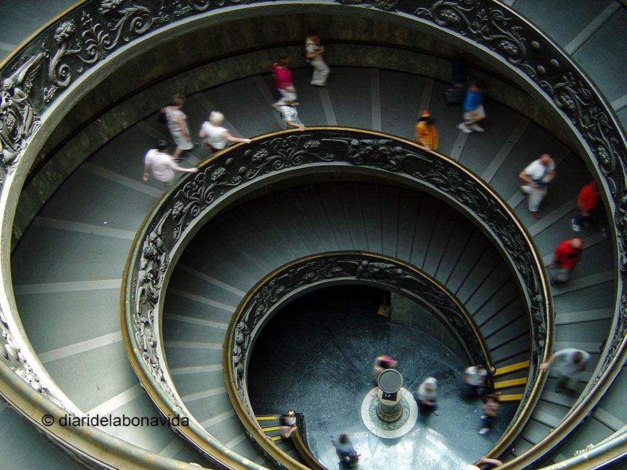 Un cop acabem la visita als Museus, sortim per les famoses escales de Giuseppe Momo