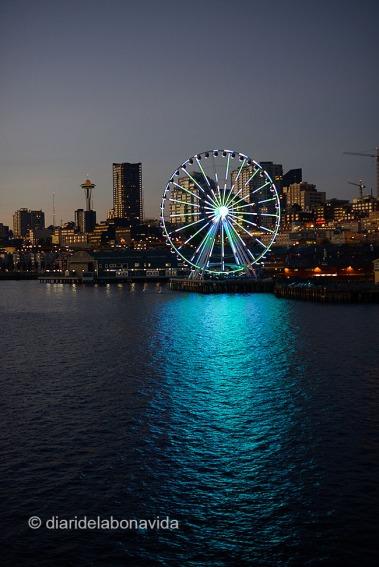 Skyline de la ciutat i la seva Seattle Great Wheel