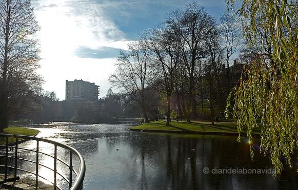 L'estany del Parc Leopold