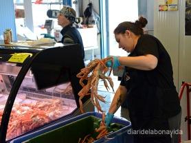 Al Mercat Vieux-Port podem comprar enormes crancs!!!
