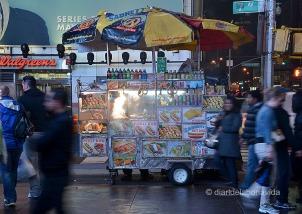 Les paradetes de hotdogs obren fins ben tard