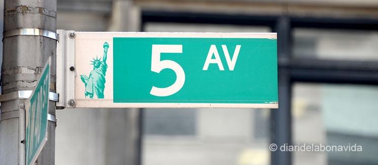 newyork0324_sign street