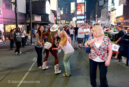 Times Square sempre és ple de personatges