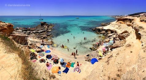 Abans de viatjar a Formentera, ja visualitzàvem alguna de les seves meravelloses cales. Caló des Morts