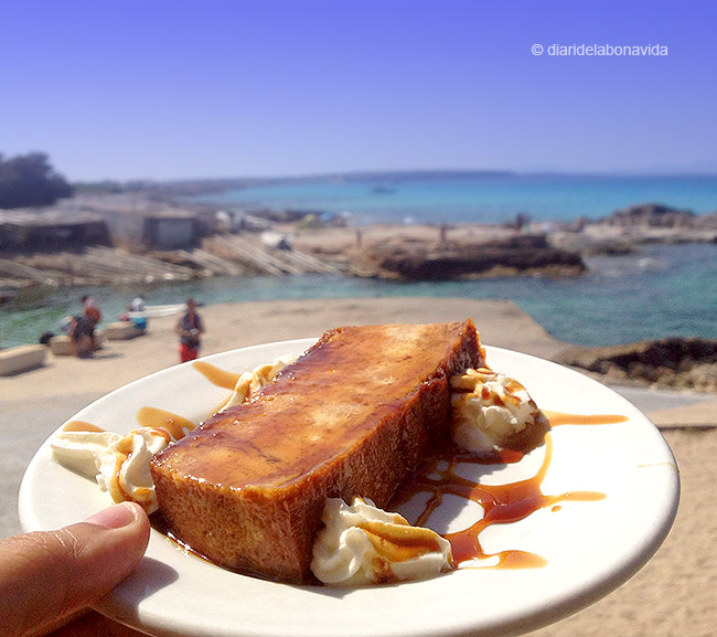 Tastem una de les postres típiques de l'illa la Greixonera!