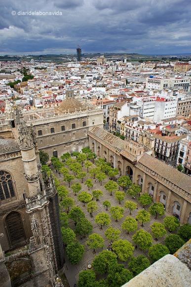 Vistes de la ciutat i el Patio de los Naranjos