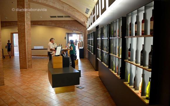 La sala de tast de vins ens apropa a un dels millors moments de la visita