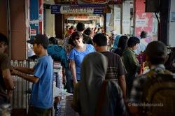 """El carrer Malioboro és un """"enjambre"""" de persones"""