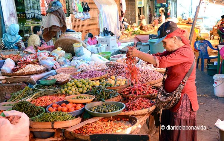Un dels nombrosos mercats de Malang