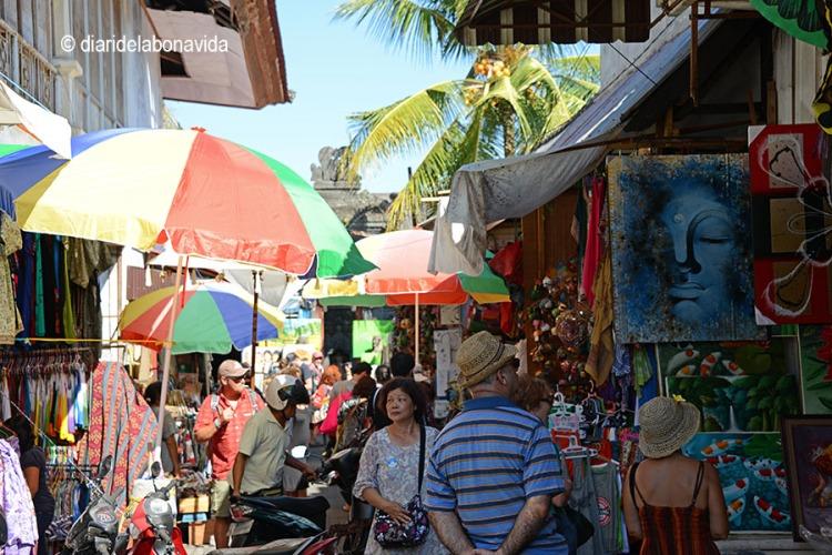 Un mercat molt turístic, però ideal per trobar regals