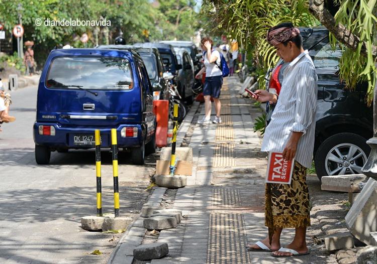 A punt per oferir el servei de taxi