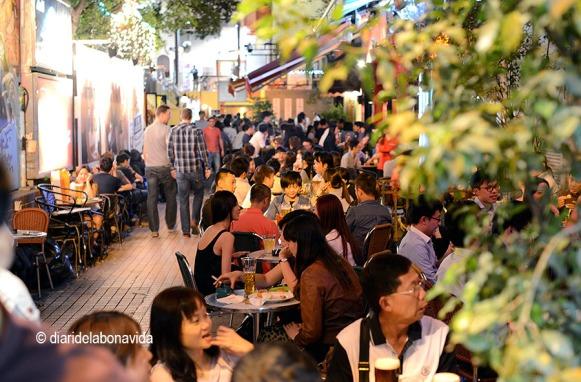 Knutsford Terrace és una de les zones més conegudes per sopar a la nit