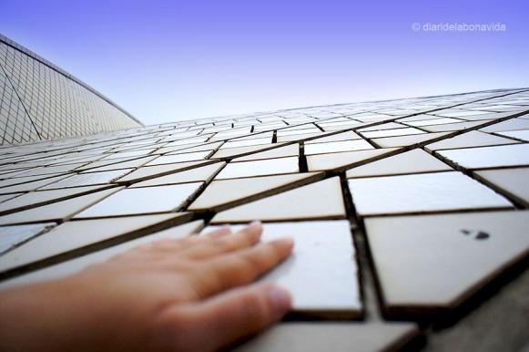 Un munt de mosaics formen les cúpules de l'Òpera