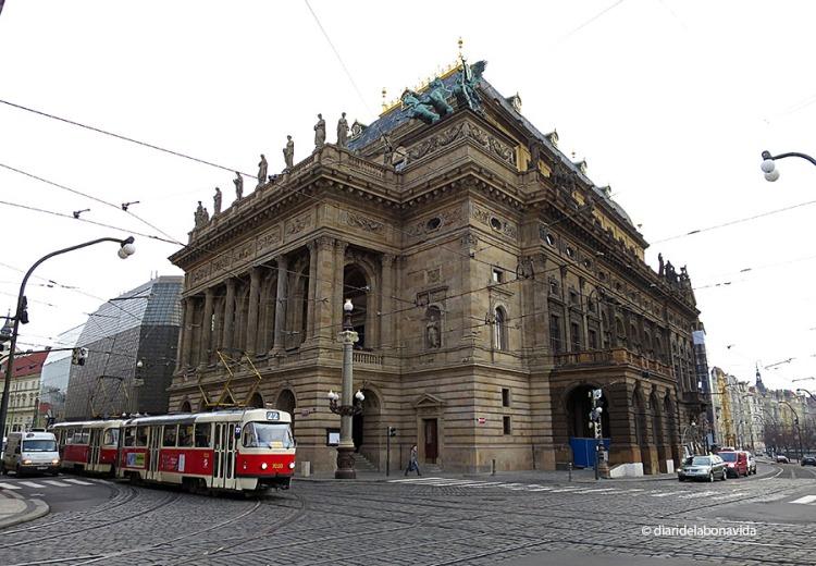 L'imponent Teatre Nacional