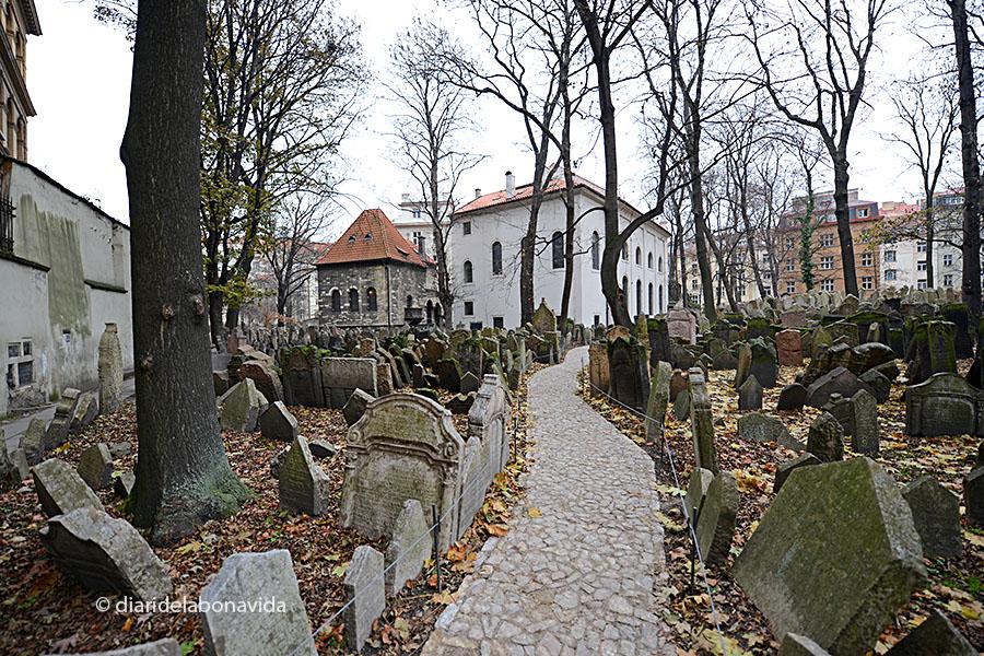 El cementiri impressiona