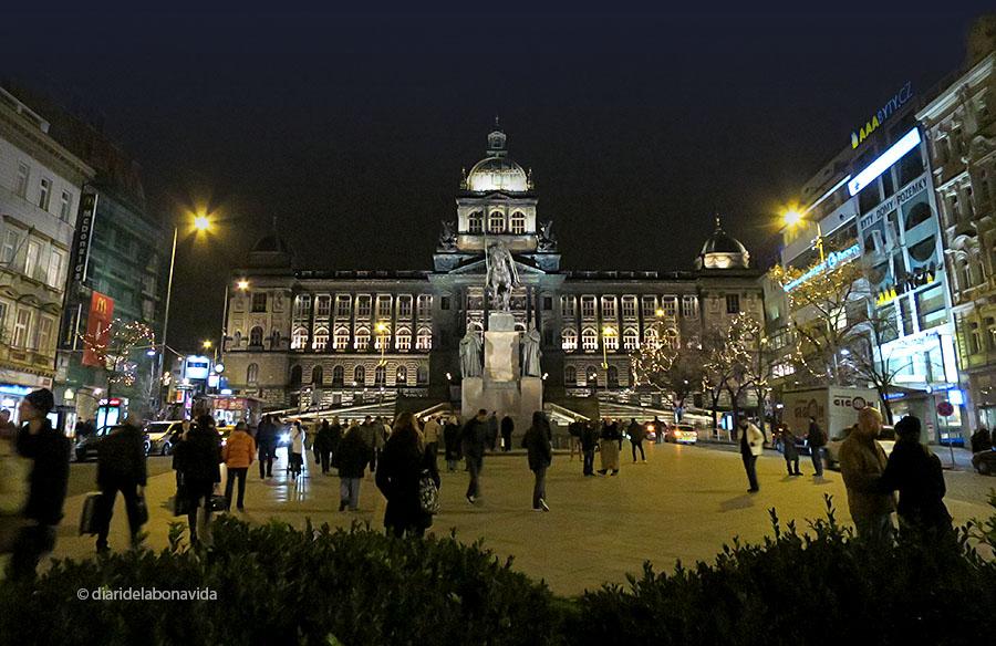 Museu Nacional vist des de la Plaça Wenceslao