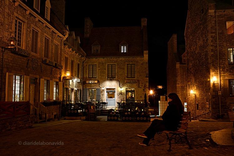 Descansant a la Place Royale
