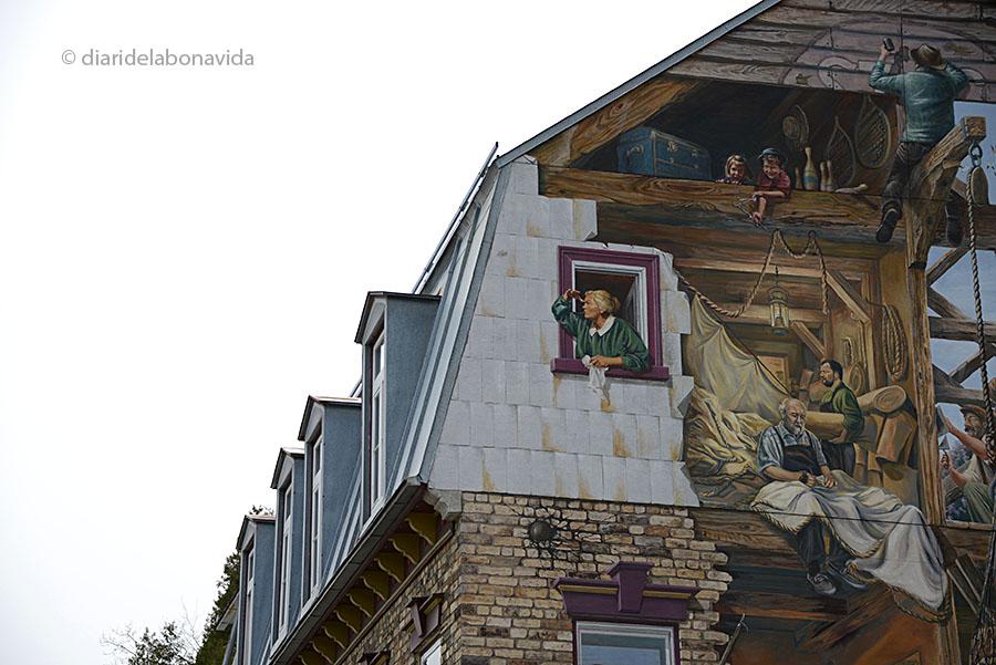Mural del carrer a una de les façanes