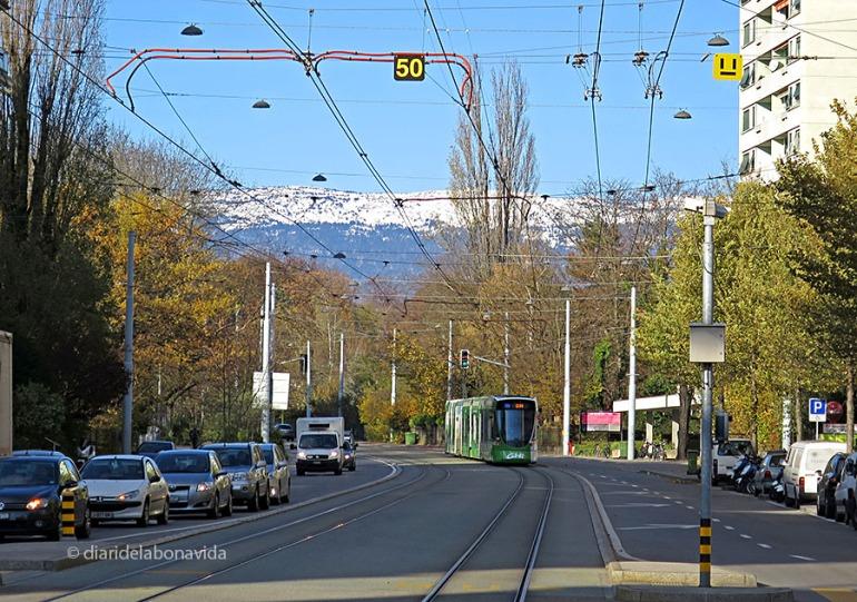 Impressiona veure els Alps des de qualsevol punt de la ciutat