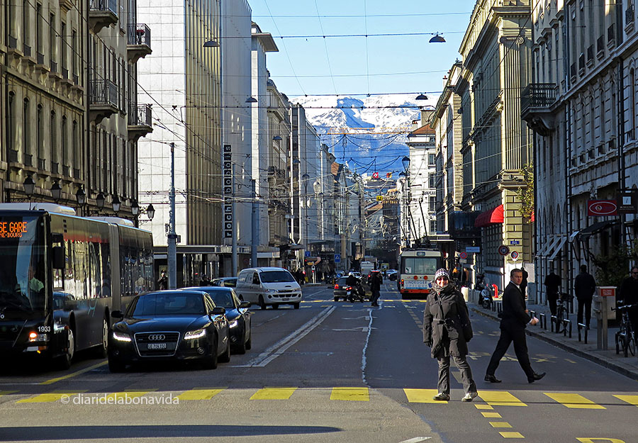 -- Ginebra, Suissa. Rue du Rhône