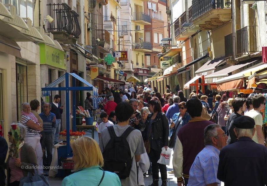 El carrer major de Palamós acull les parades