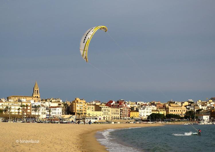 Kite surf a la Platja Gran de Palamós
