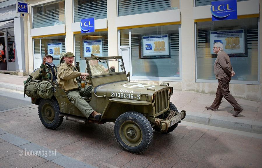 Vehicles militars circulen aquests dies pels carrers