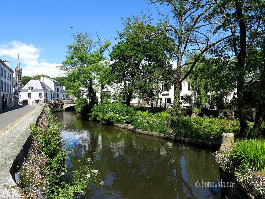 Port-Aven és típic pel seu rierol, molins d'aigua i boscos...