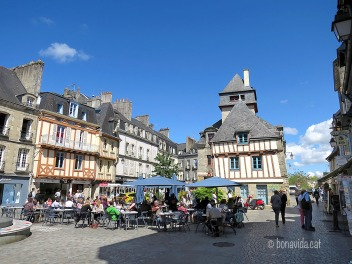 Place Terre-au-Duc, Quimper