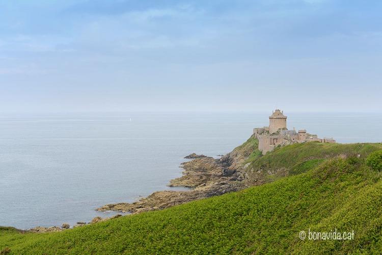 Fort La Latte és un castell medieval ben conservat