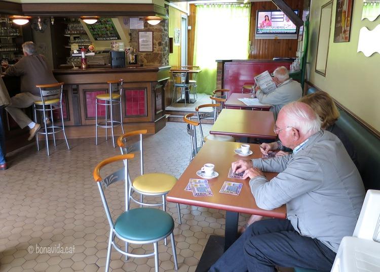 Els típics bars de poble