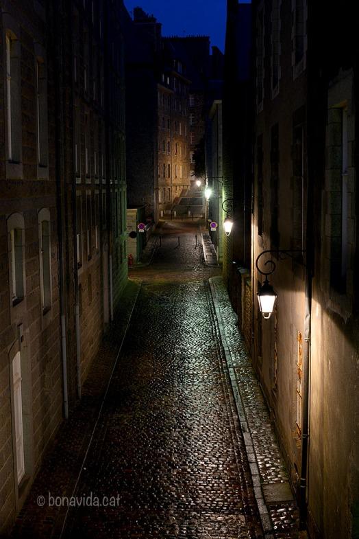 Els carrerons de la ciutat són ben tranquils a aquestes hores