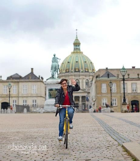 Recórrer Copenhagen en bicicleta. El millor per descobrir la ciutat!
