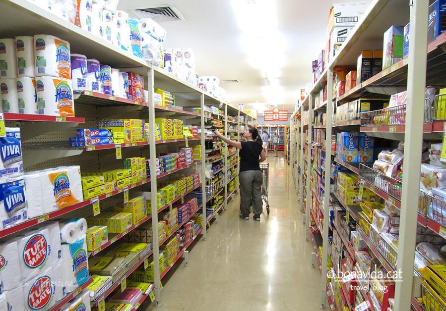 Comprant provisions al super